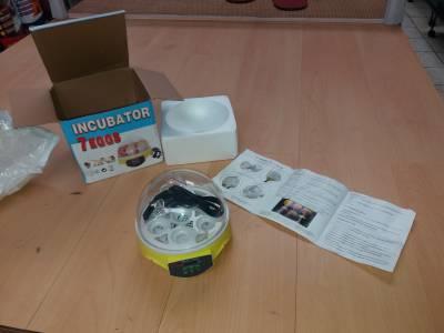 Chocadeira incubadora digital nova com capacidade para sete ovos Chocadeira muito pratica de usar